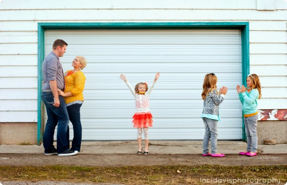 The best backdrops and settings for family photos - thehouseofsmiths.com