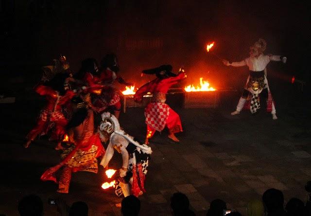 seni-teater-tradisional