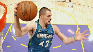 Kevin Love rebounds