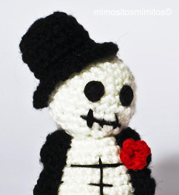 amigurumi de ganchillo con lana especial halloween hecho a mano