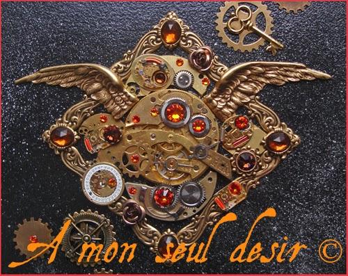 Coffret ( ou Boite ) à Bijoux Steampunk mouvement de montre gousset mécanique ailes dorées rouages engrenages clef clé key gears wings watchwork clockwork steampunk jewels jewelry bow