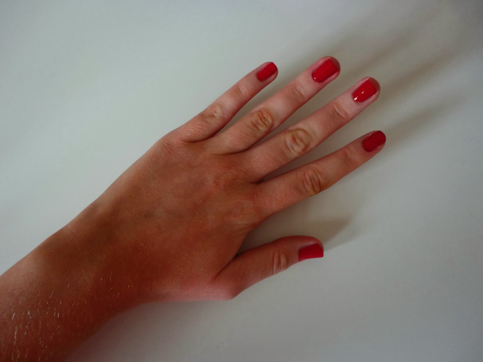 So so sorry I've not posted in a week now ladies, there's been so much going on!:( But I did want to post about this beautiful red nail polish from Revlon, ...
