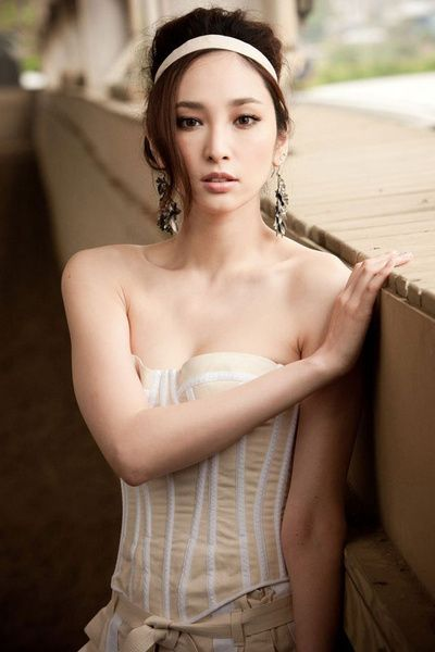 Chinese Female Stars | China Entertainment News: http://chinaentertainmentnews.com/2012/03/chinese-famous-female-stars.html#!