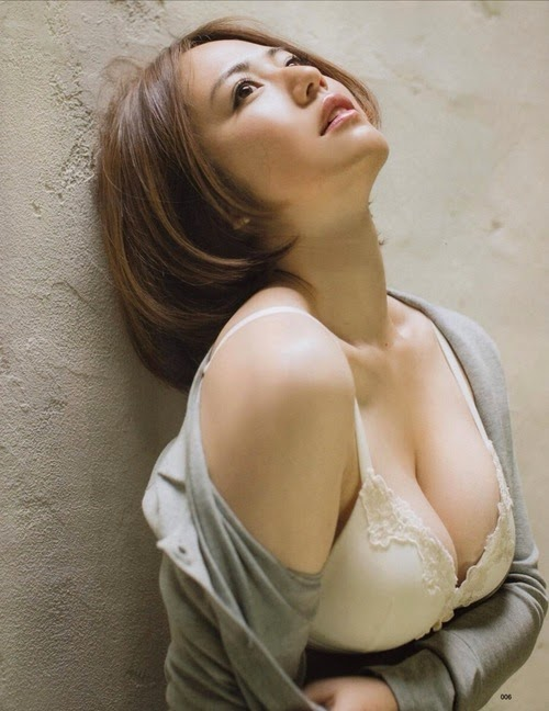 Nỗi khổ gái xinh ngực to như dưa hấu 28