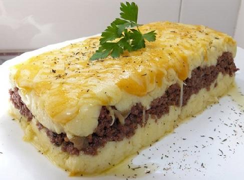 Pastel de carne gratinado