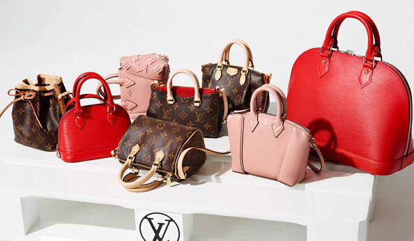 16009458893 All Louis Vuitton bags in this series are equipped with a long section of  the strap.