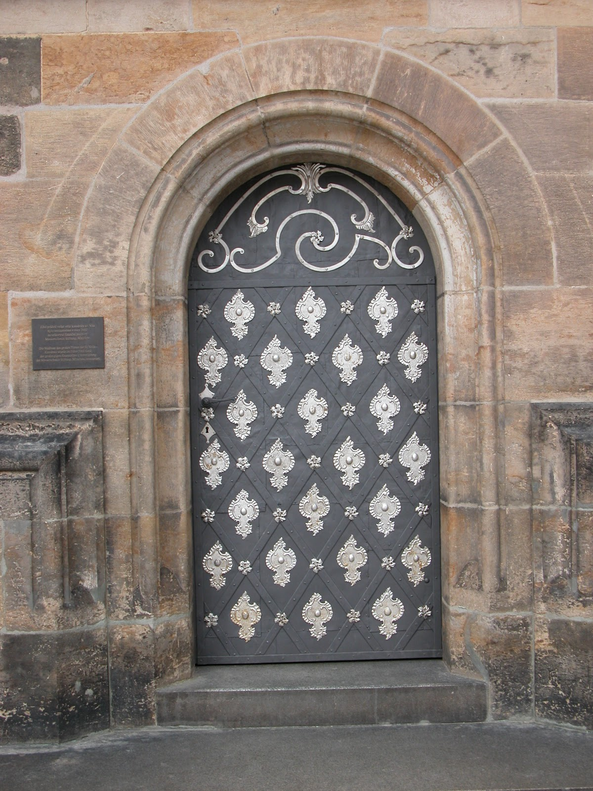 1600 #7E614D Frankly Speaking Modern Vintage Blogspot: We Love Vintage Doors! image Iron Entrance Doors 38931200