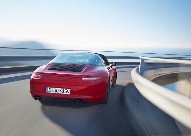 2015 Porsche 911 Targa 4 GTS red