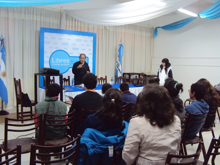 Isao Charlas Salon de actos Municipal de Paso de los libres