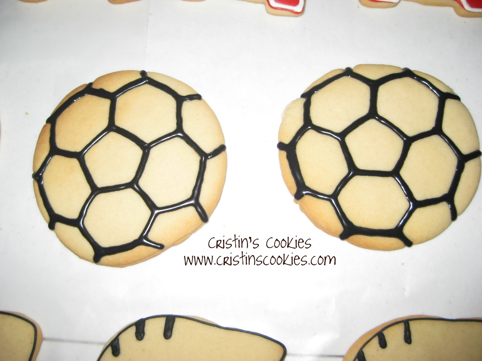Cristin's Cookies: Soccer Cookies & Tutorial