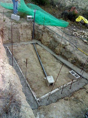El maestro de obras xavier valderas construir los cimientos - Construir con bloques de hormigon ...