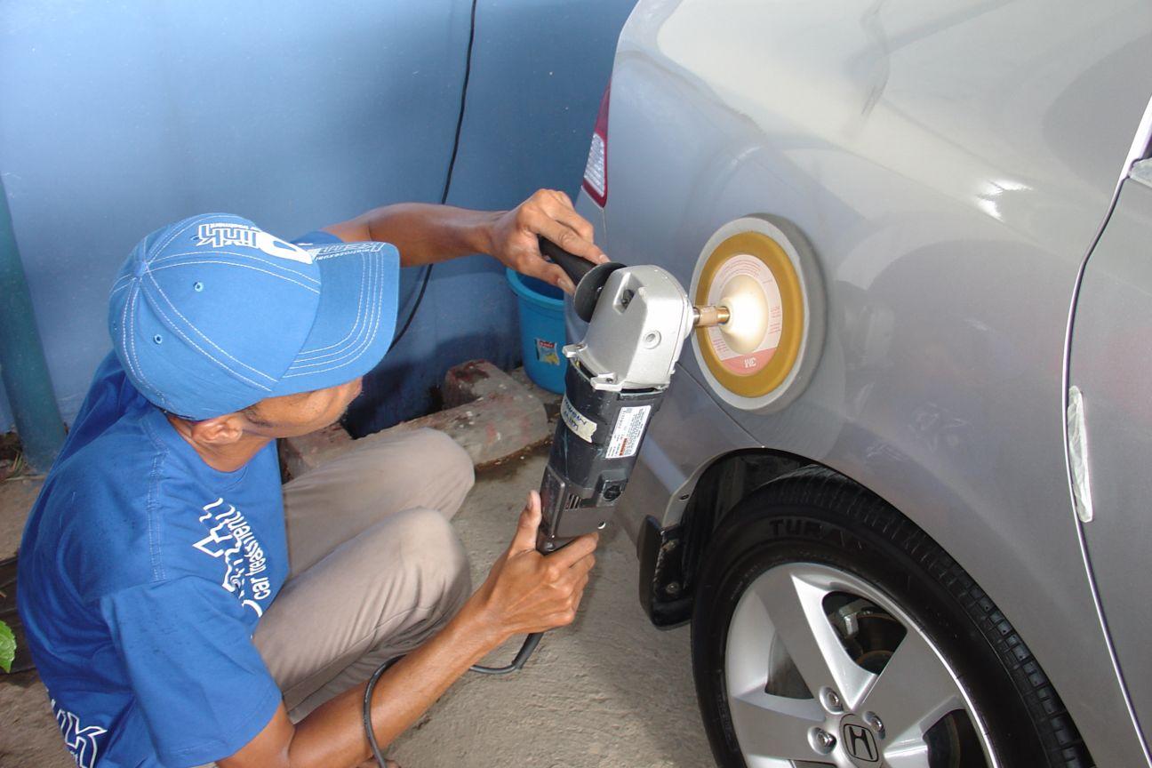 Use Polishing Compound Car