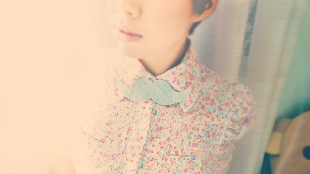 vintage bow tie, floral puffy sleeve blouse, cute, outfits, fashion, tutorials, tutorial, tut