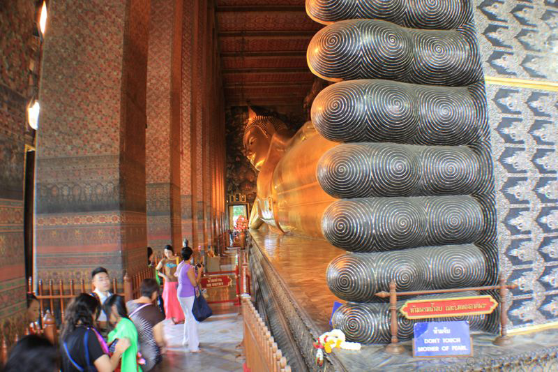 liegender buddha ayutthaya