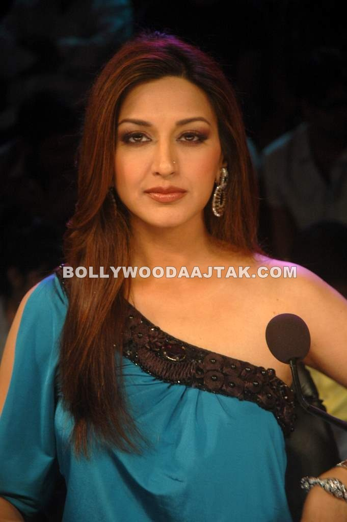 Sonali Bendre  India's got talent Pic - Sizzling Sonali Bendre India's got talent Pics
