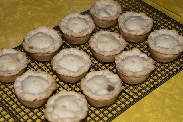 allgrains.net - Scotch Meat Pies - Traditional meat pies from Scotland often enjoyed during a Robert / Rabbie Burns party.