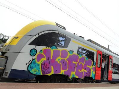 graffiti 77