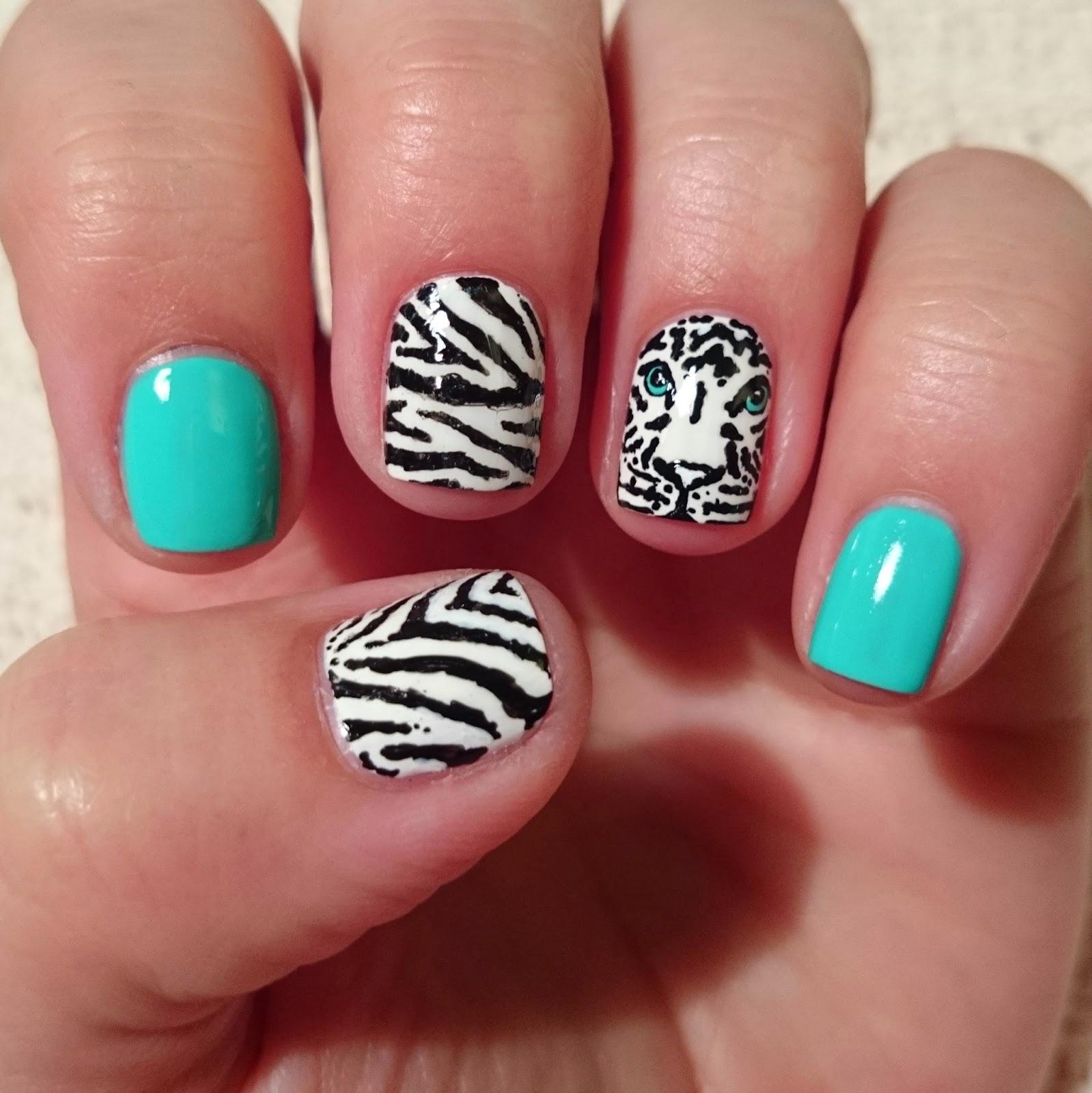 Dahlia Nails: Tiger Face
