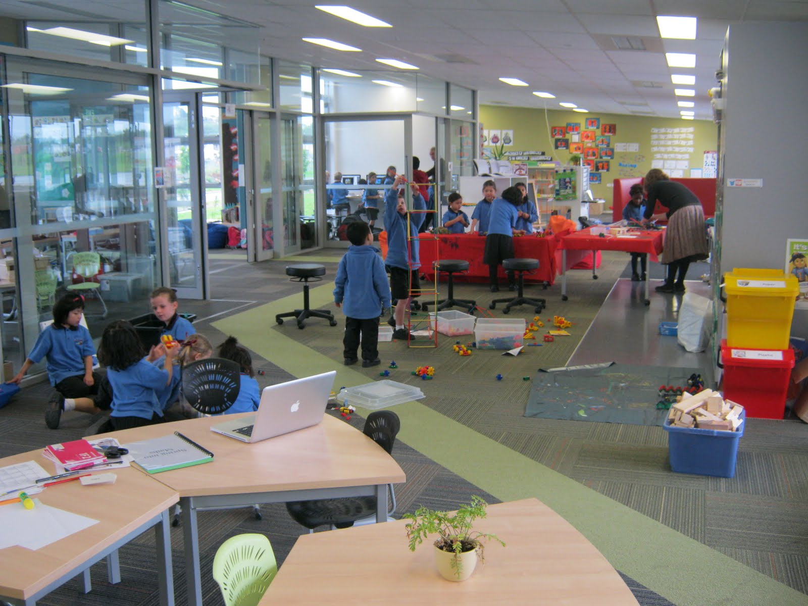 Modern Classroom Benefits ~ Thinkalot modern learning environments some more benefits