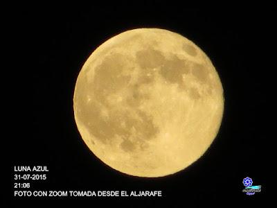 Luna azul - Sevilla - 31 de julio de 2015 - 21:06 horas