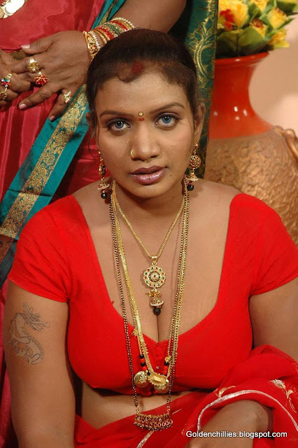 mallu aunty navel show hot photos