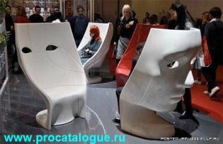 Креативные стулья лица. Стулья в форме человеческих лиц фото.
