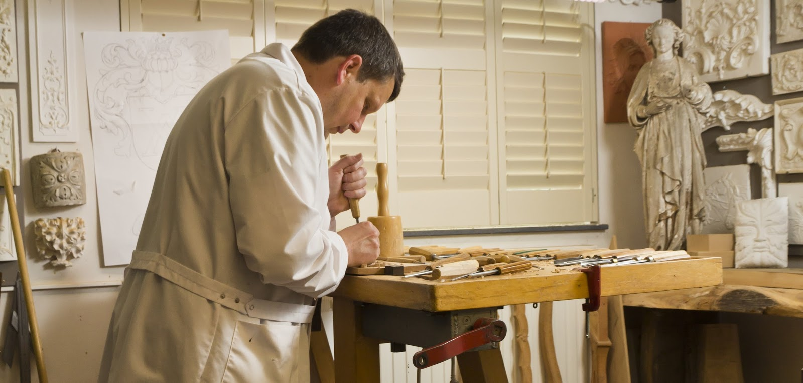 Hand carved glitch furniture by ferruccio laviani