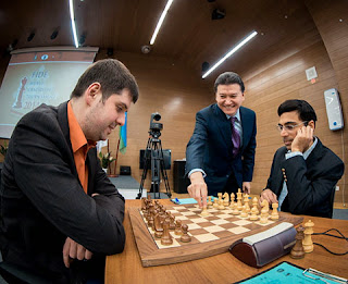 Viswanathan Anand annule ronde 14 face à Peter Svidler - Photo © site officiel