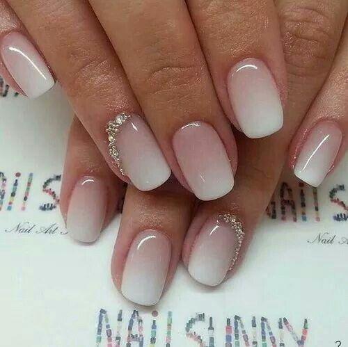 Градиент розовый с белым ногти