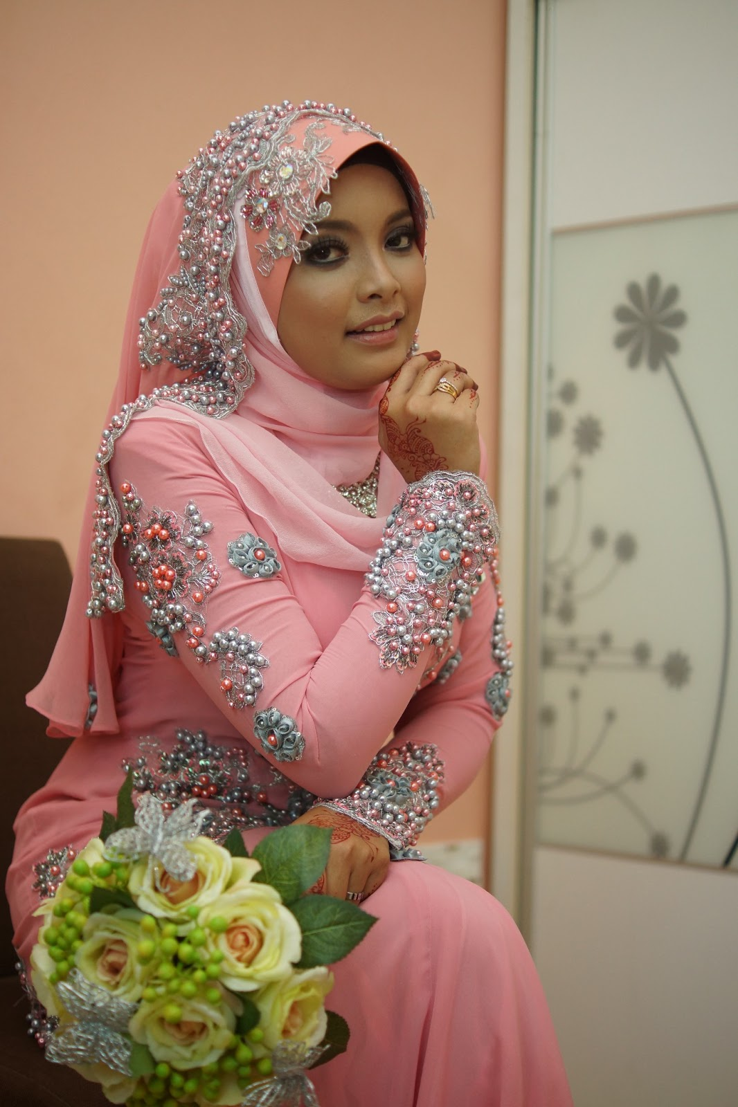 Search results for sewa baju pengantin black hairstyle and
