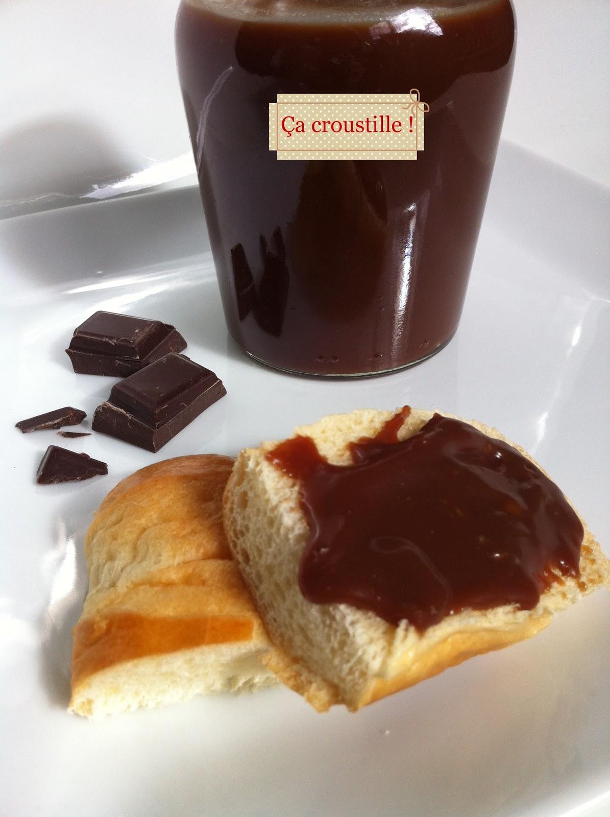 a croustille p te a tartiner au chocolat noir et caramel. Black Bedroom Furniture Sets. Home Design Ideas