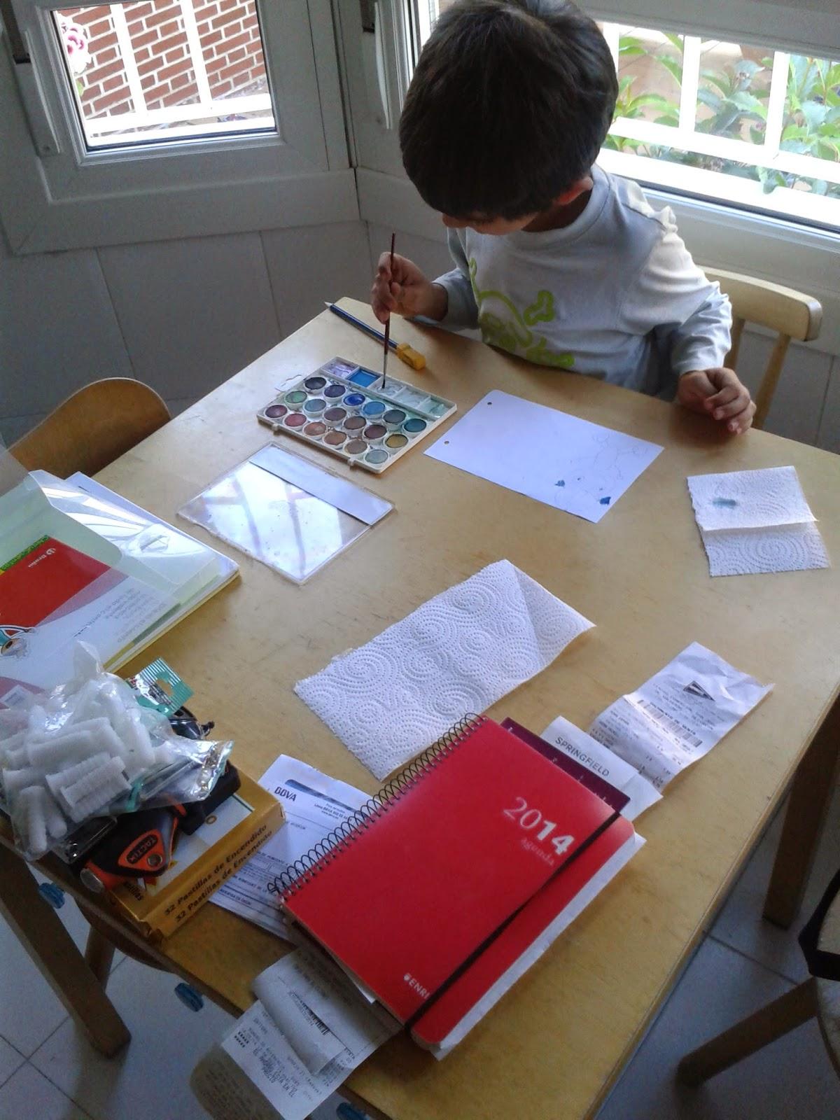 creatividad pintar manualidades acuarelas niños