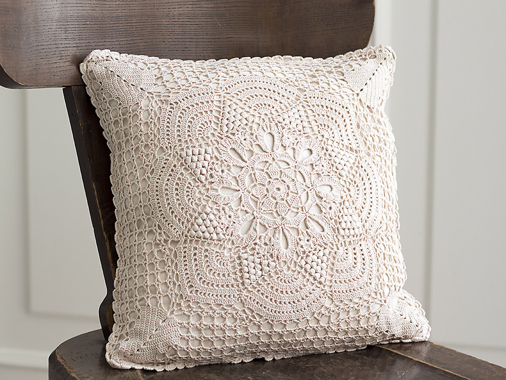 Crochet Pillow : Katrinshine: Vintage crochet pillow