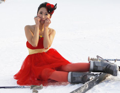 凍人妹 清涼滑雪