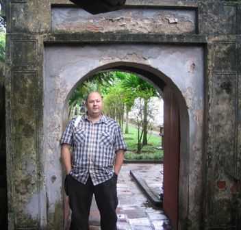 Explore Vietnam's culture on a tour with Walter Mason in 2016