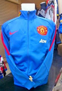 gambar jaket MU warna biru AON terbaru musim 2014/2015, kualitas grade ori, made in thailand, jaket manchester united musim depan 2015/2016