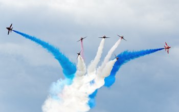 Red Arrows Airplanes at Sywell Air Show