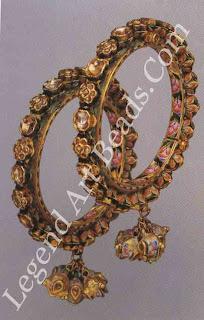 PACHELI (bangles) Varanasi 9th Century Enamelled gold, set with diamonds.