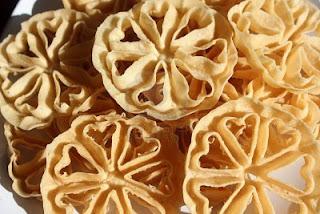 Tips: Membuat Kue Kembang Goyang Renyah Asli Indonesiaku
