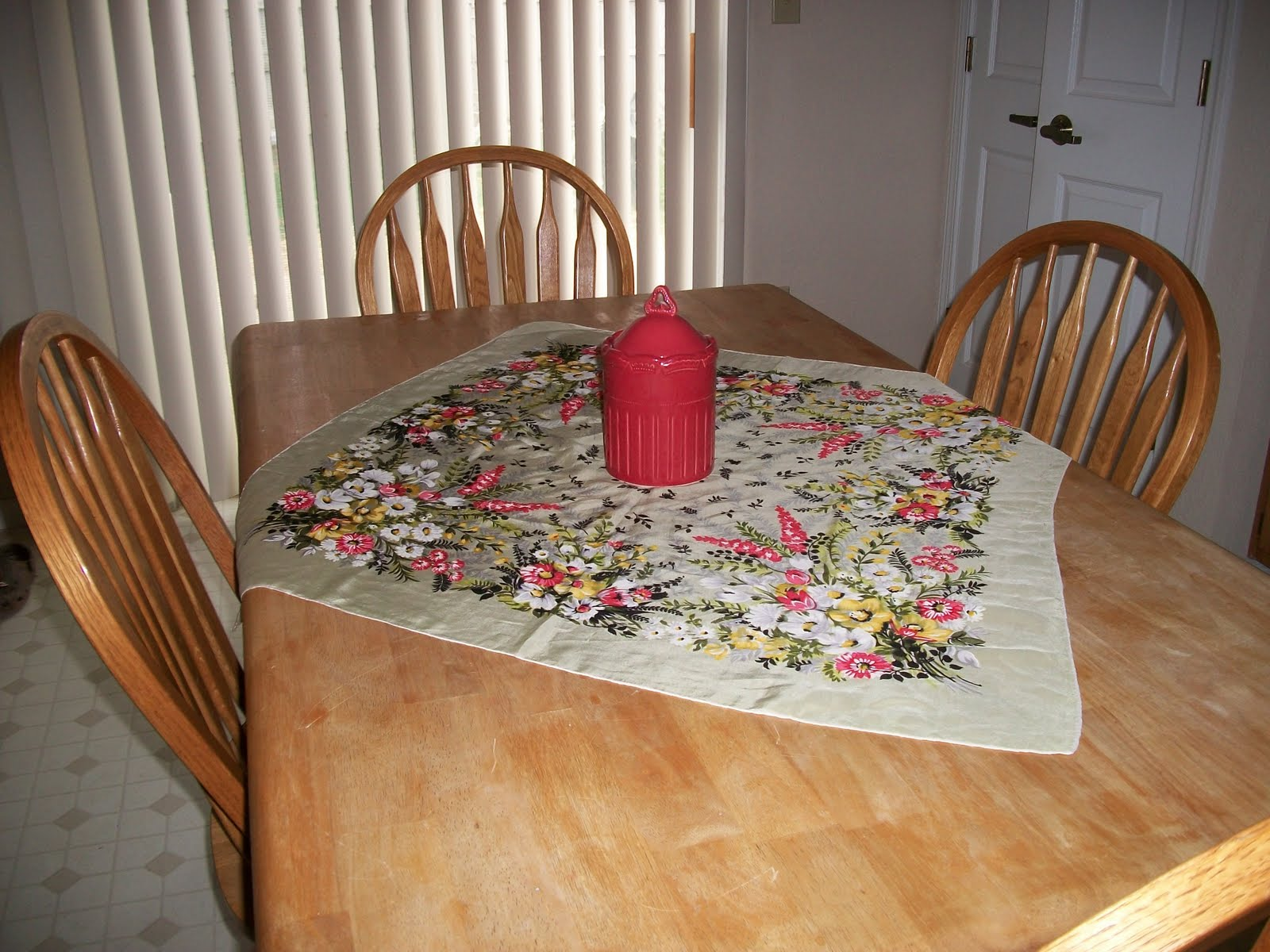 Easy Ideas For Spring Decorations For Your Table This One Is A Scarf