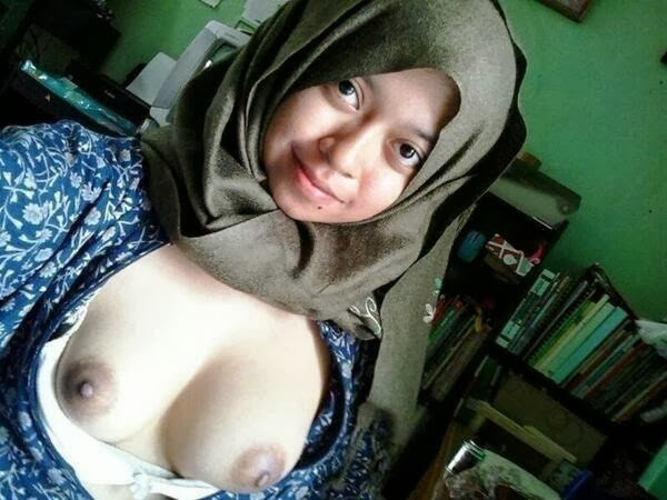 image Singapore malay aisyah blowjob