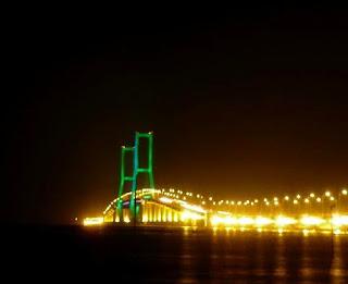 Wisata Surabaya Jembatan Suramadu