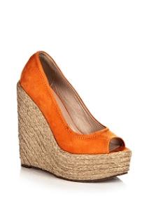 Şirin Turuncu Ayakkabı