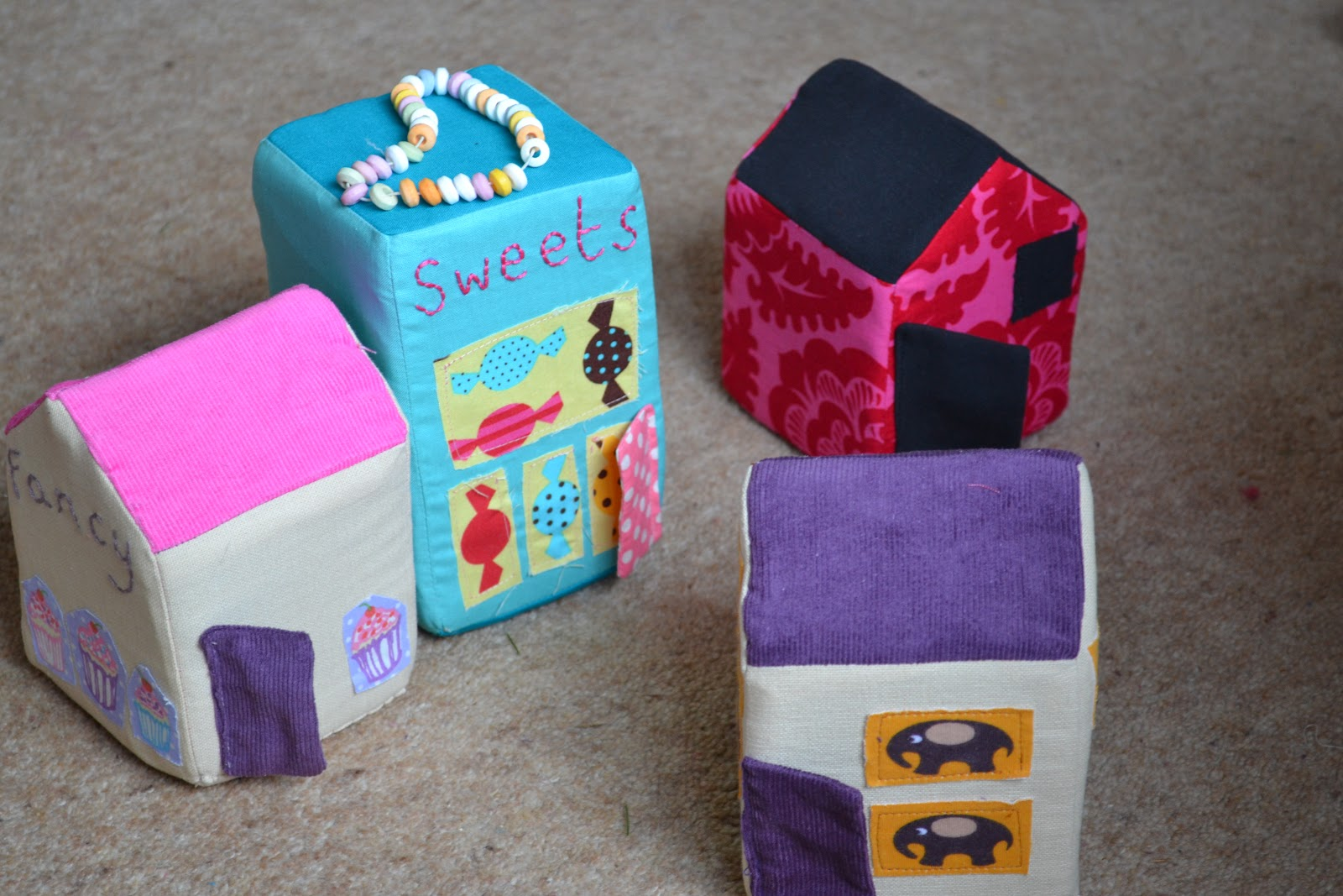 kitchen table sewing play town