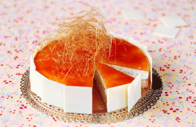 Как сделать украшение для торта из карамели