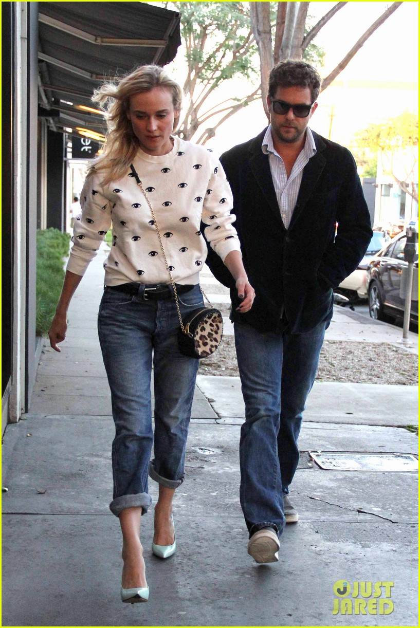 celeb diary diane kruger joshua jackson madeo restaurant in west hollywood. Black Bedroom Furniture Sets. Home Design Ideas