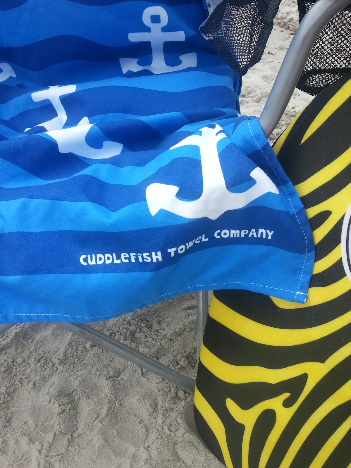 say goodbye to the bulky beach towel cuddlefish towel co review giveaway mommy 39 s block party