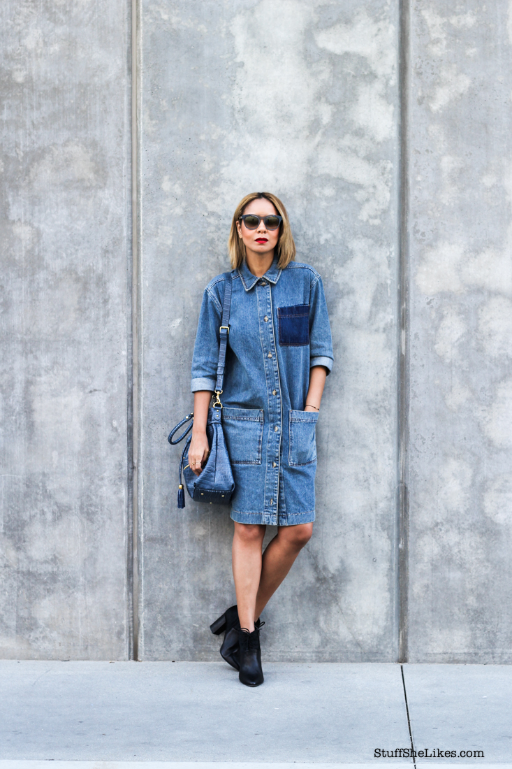 Fashion Blogger, Los Angeles Fashion Blogger, Denim Dress, Vera Wang sunglasses, Black blogger , ethnic blogger, red lipstick, Top ten bloggers in Los Angeles, Best bloggers in Loas Angeles