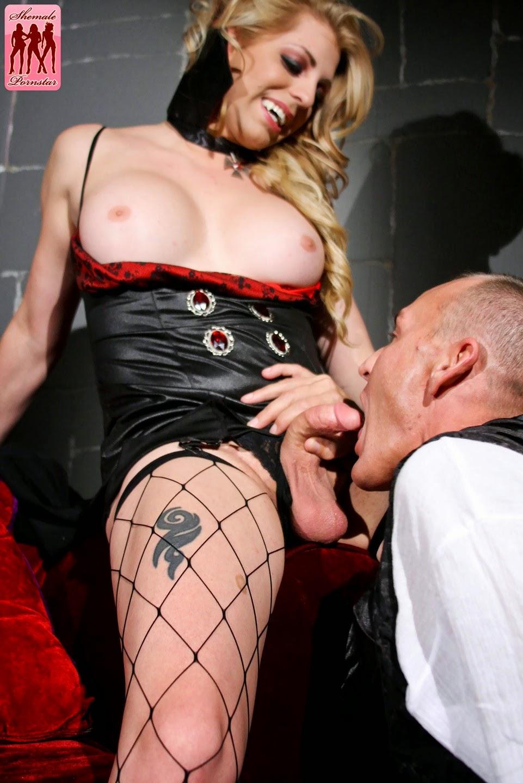 Vampiress porno nude gallery