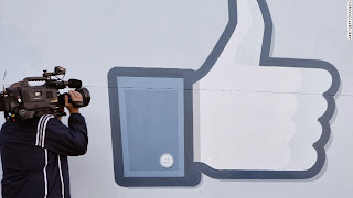 Facebook 'likes' : The thumb is gone